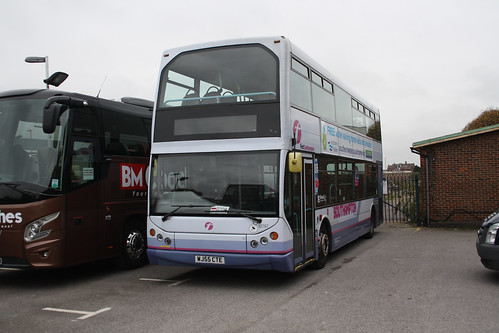 First Hampshire & Dorset 32767 WJ55CTE