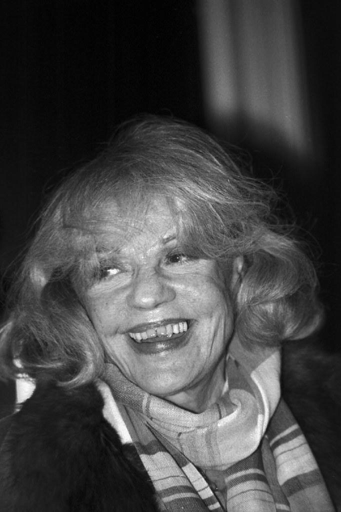 Jeanne Moreau copyright JMS 2000 R.I.P (3)