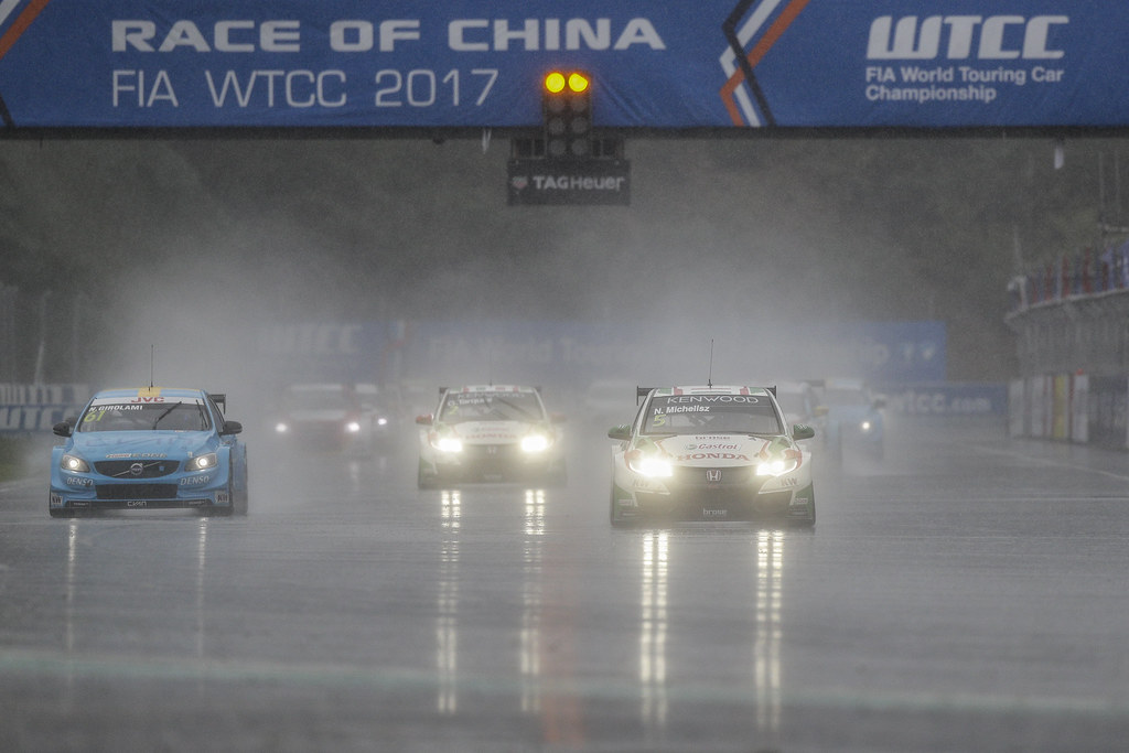 05 MICHELISZ Norbert (hun) Honda Civic team Castrol Honda WTC action 61 GIROLAMI Nestor (arg) Volvo S60 Polestar team Polestar Cyan Racing action  during the 2017 FIA WTCC World Touring Car Championship at Ningbo, China, October 13 to 15 - Photo Frederic Le Floc'h / DPPI
