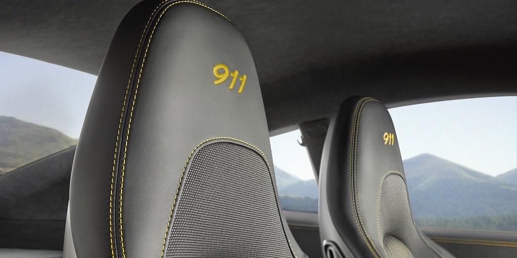 2018-porsche-911-carrera-t-8
