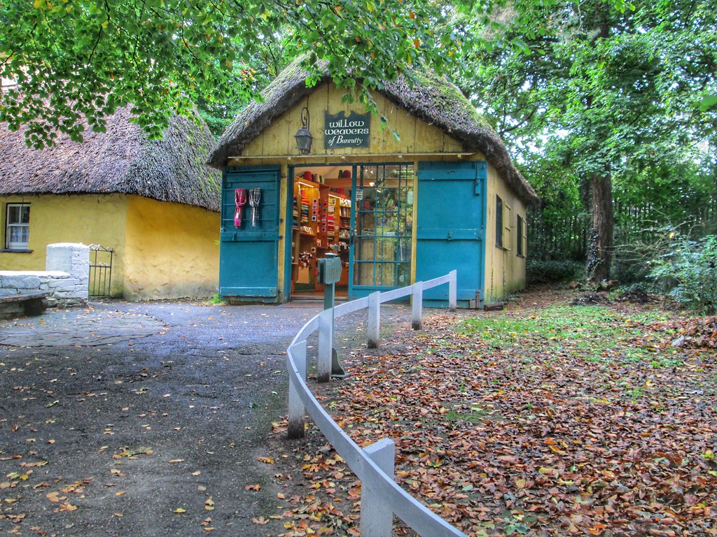 bunratty castle weavers shop