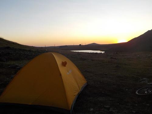 明日は朝から登山するか