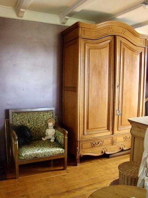 Antieke kast fauteuil