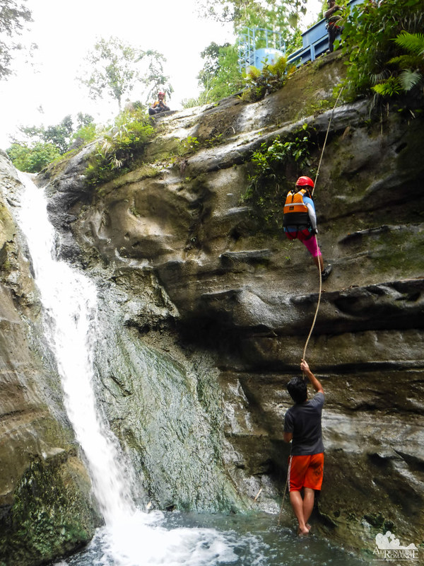 Rappeling in the canyon