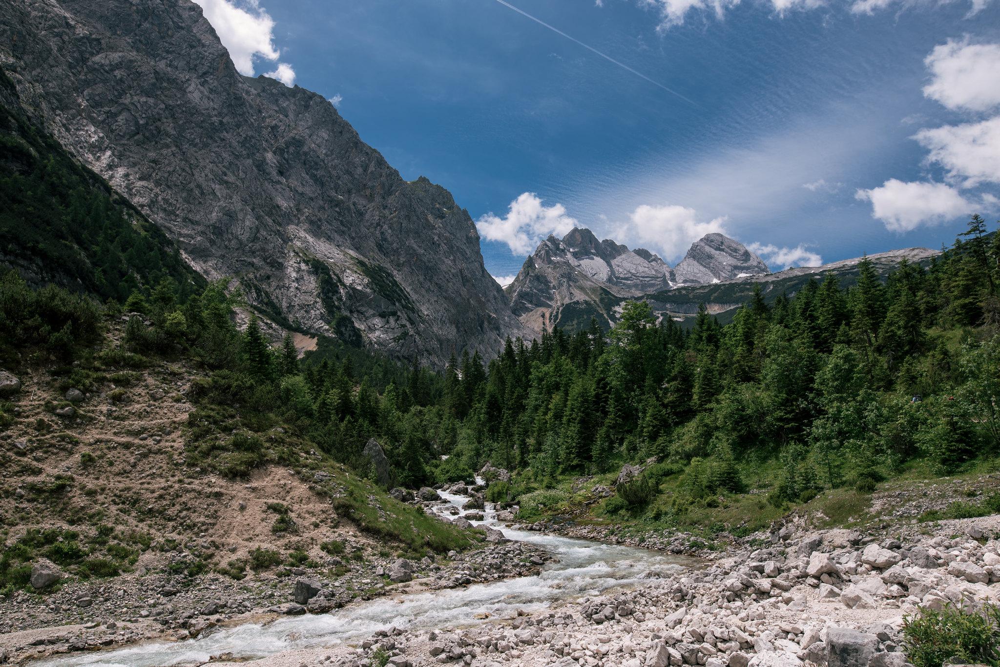 Lake through the mountains