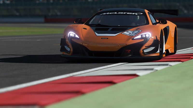 McLaren_Promo