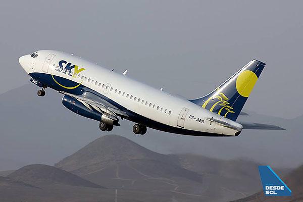 Sky Airline B737-200 CC-ABD (S.Díaz)