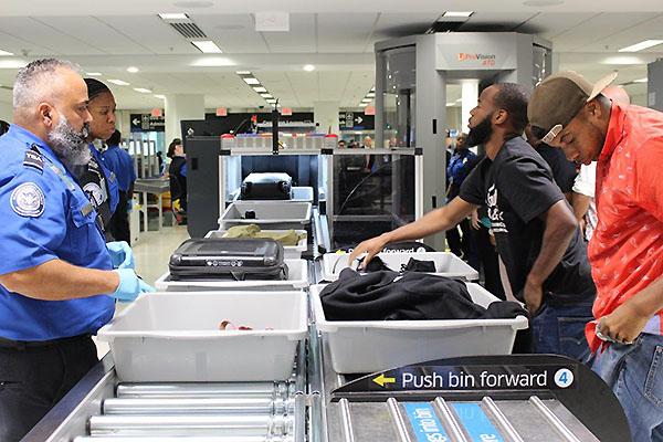 MIA TSA revisión de seguridad (American Airlines)