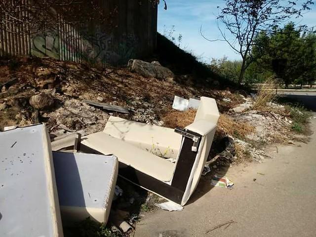 lotta alle discariche e ai rifiuti abbandonati