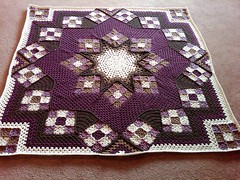 How beautiful! I loved this crochet rug very delicate this pattern, see it step by step.  👌👏💞💞