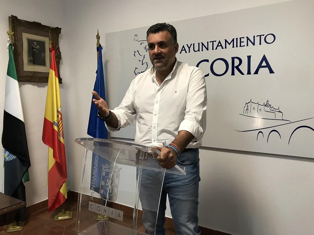 El Alcalde de Coria anuncia medidas económicas para las Familias Numerosas y el Casco Histórico de la Ciudad