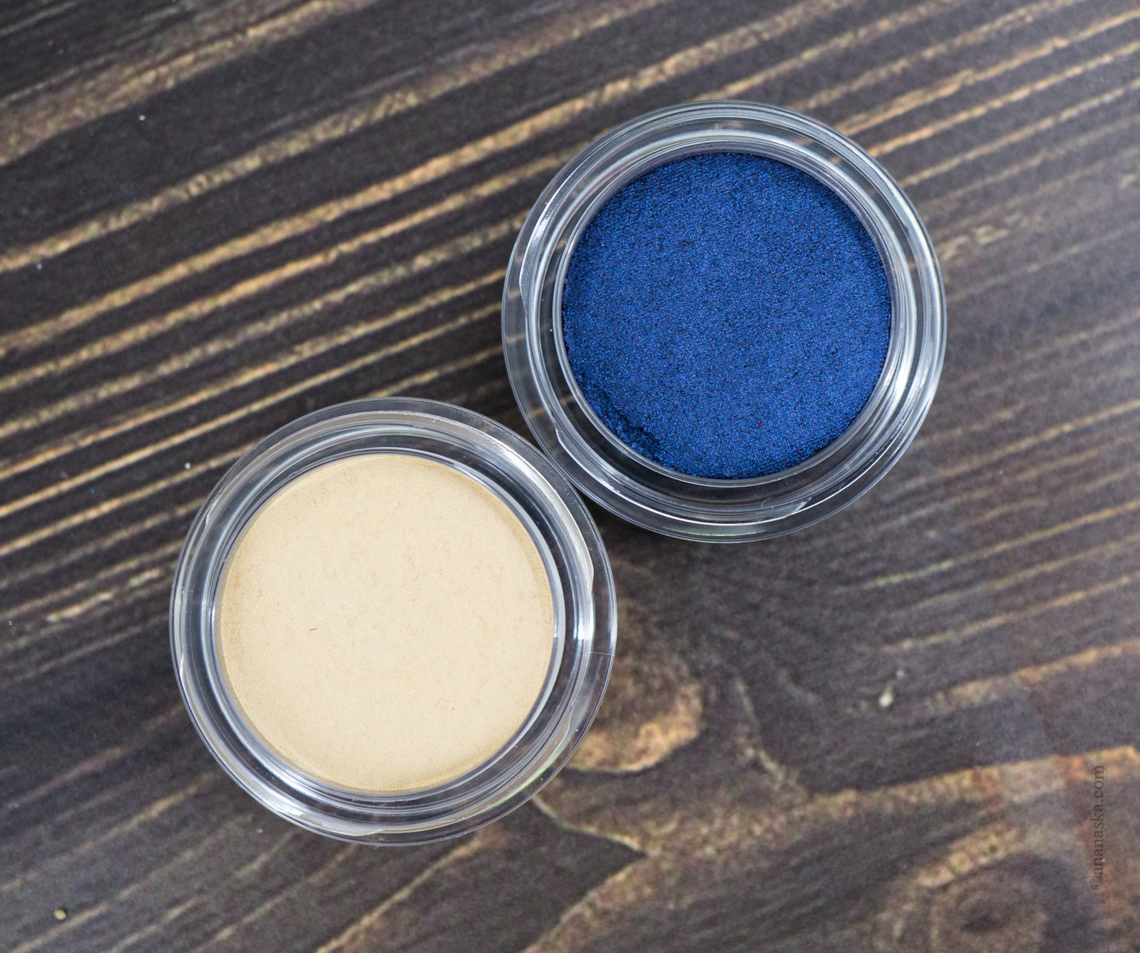 Clarins Ombre Matte: 09 ivory, 10 midnight blue