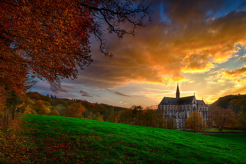 Herbst und Kathedrale
