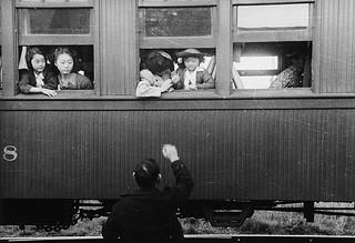 Japanese-Canadian girls and woman relocate by train to camps in the interior of British Columbia / Femme et filles canadiennes d'origine japonaise déplacées par train à des camps de la région intérieure de la Colombie-Britannique
