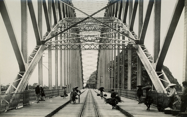 Indochine vers 1905-10 - Le pont de Ham Rong - Cầu Hàm Rồng tỉnh Thanh Hóa, bị Việt Minh phá hủy năm 1945 trong cuộc chiến tranh Đông Dương lần thứ nhất.