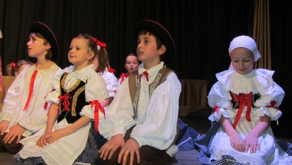 Folklórní tance 2012
