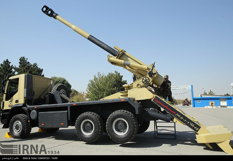 155mm-Ashura-HM41-on-IVECO-Trakker-6x6-iran-2017-inlj-1