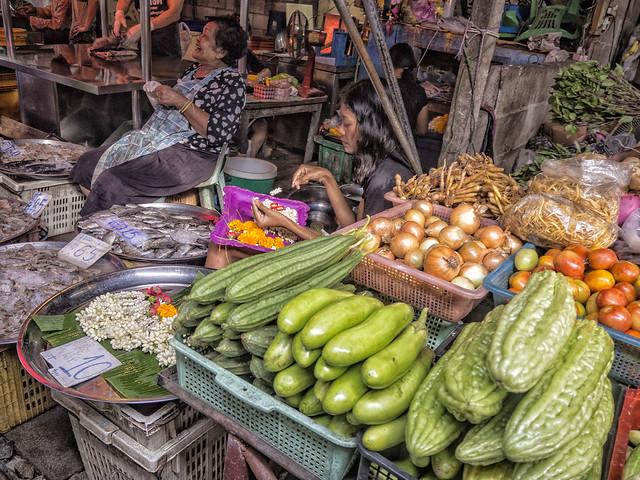 Mae  Klong , el mercado en las vias del tren