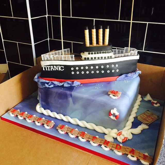 Titanic Cake by Nicky Granada's Cakes