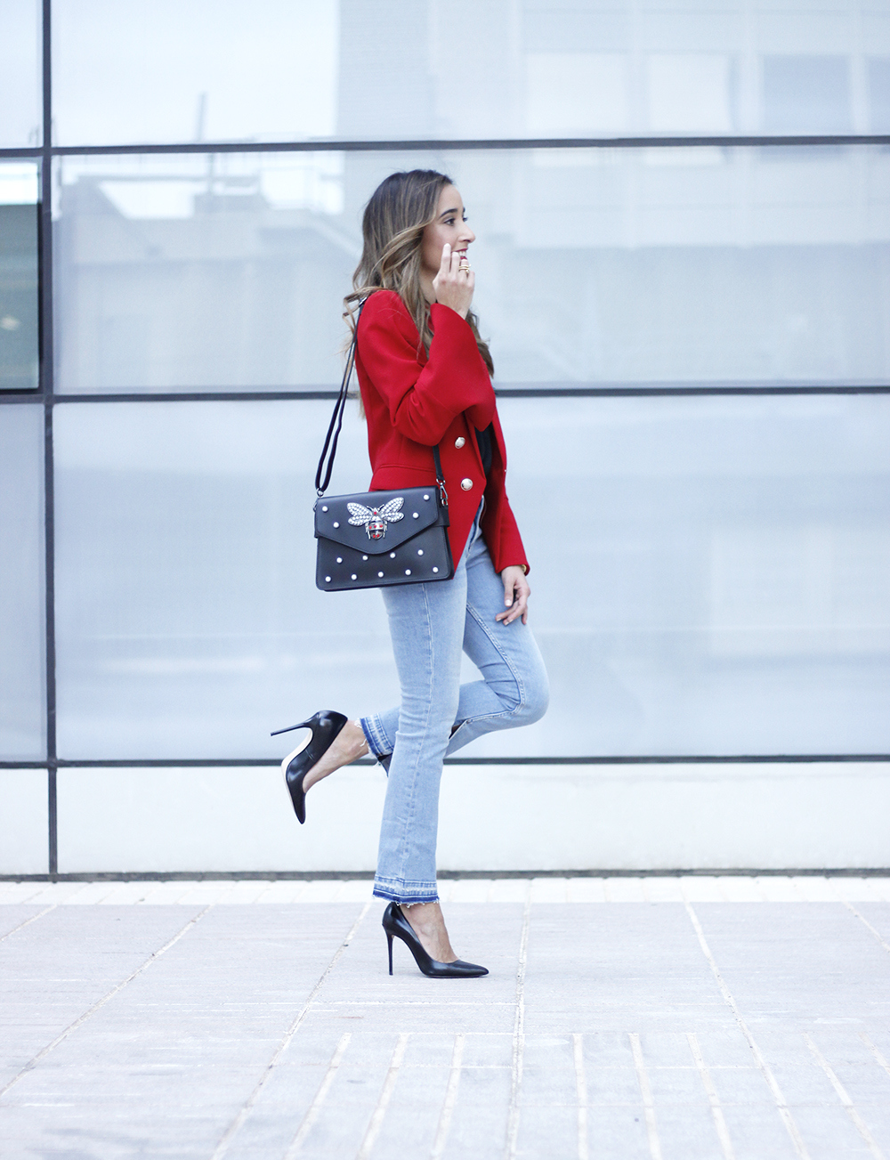 red blazer black heels bee bag denim lace top style fashion outfit trend autumn03