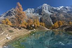 The incredibel lake - Lac Bleu