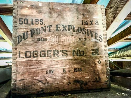 Du Pont Explosives Box