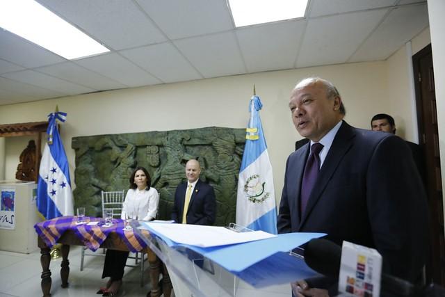 Guatemala devuelve a Honduras bienes culturales religiosos decomisados hace 19 años