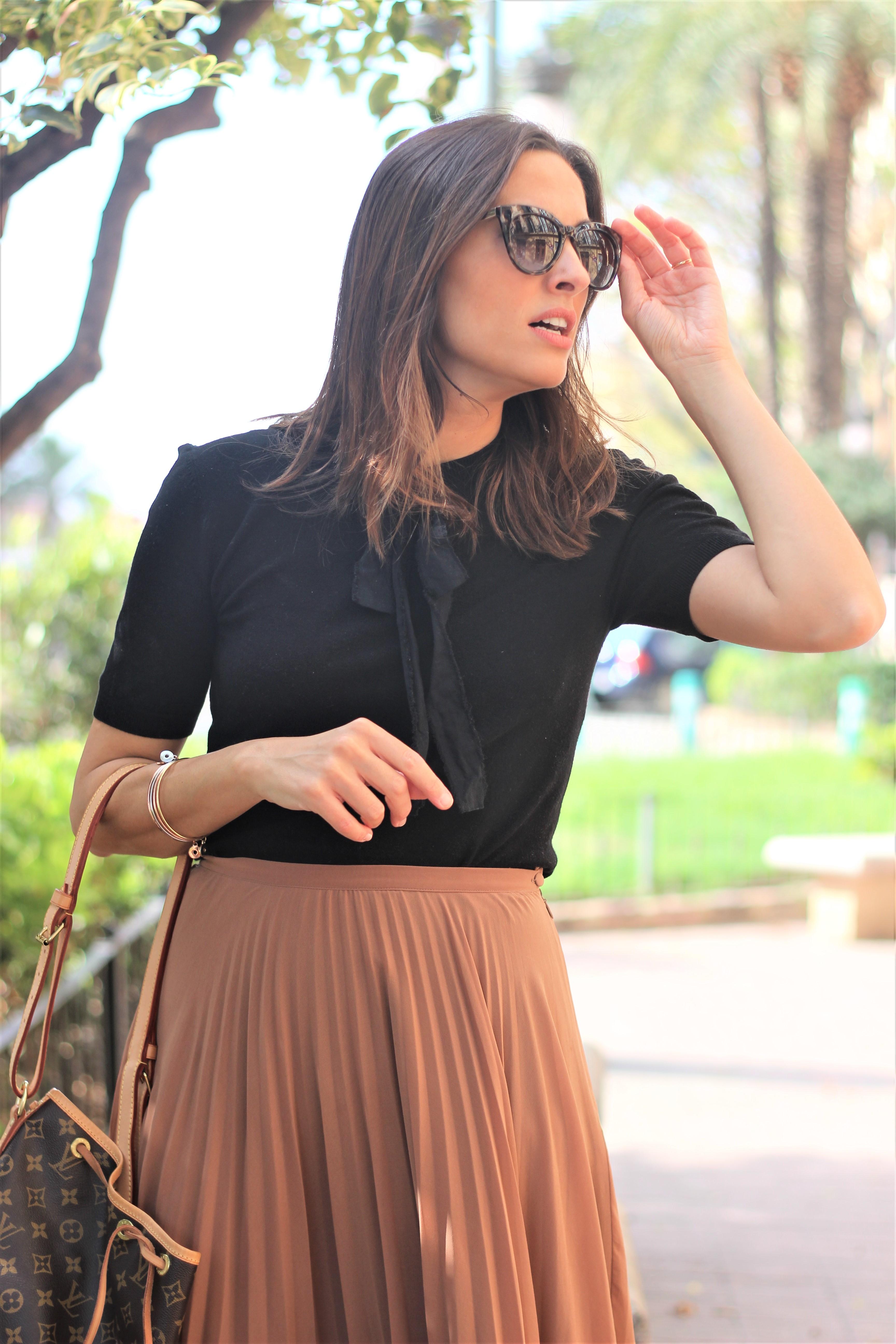 Falda plisada_ Rojo Valentino Blog (4)