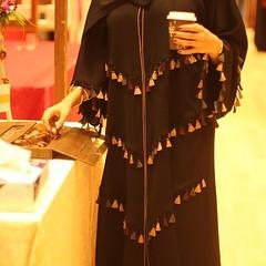 Repost @taqaseem with @instatoolsapp ・・・ متوفره قطعتيين حلوووه باللبس وعمليه . #subhanabayas #fashionblog #lifestyleblog #beautyblog #dubaiblogger #blogger #fashion #shoot #fashiondesigner #mydubai #dubaifashion #dubaidesigner #dresses #capes #uae #dubai