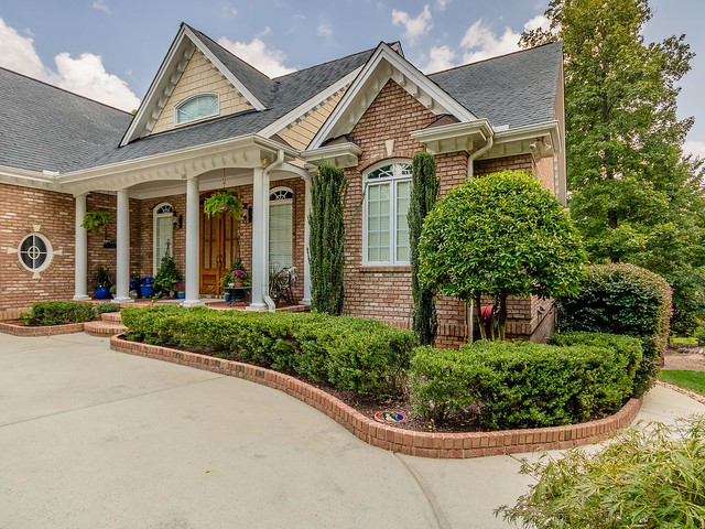 Front porch-Housepitality Designs