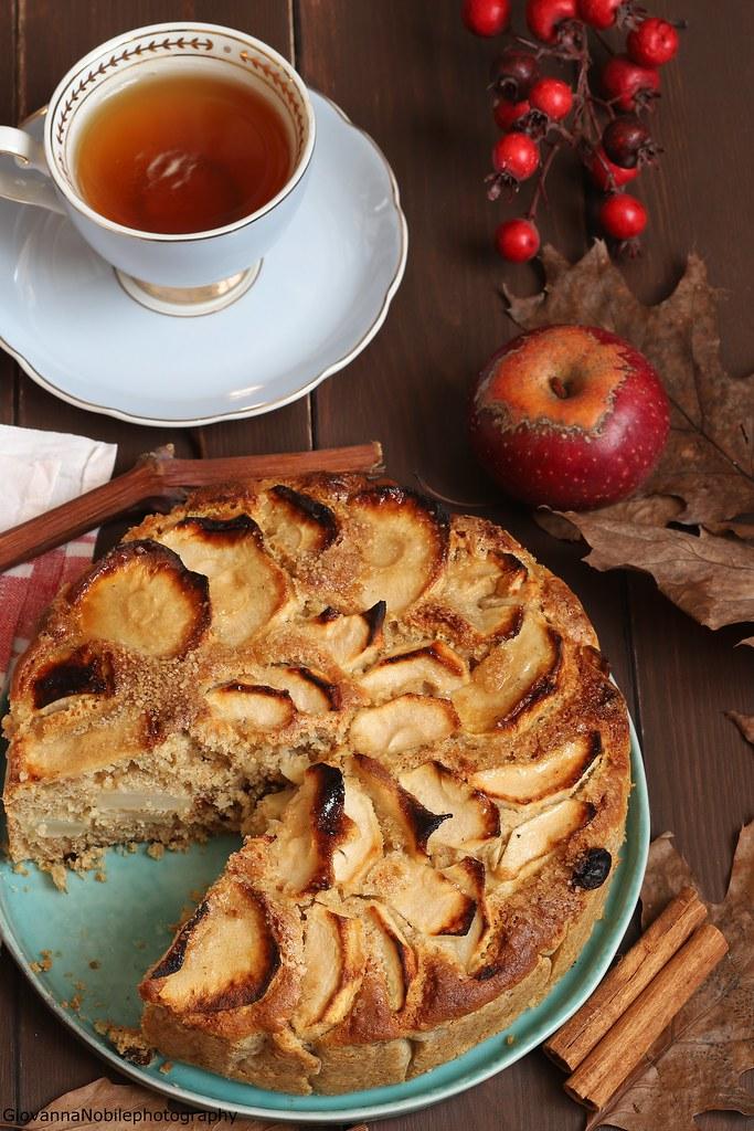 Torta integrale di mele con nocciole 6