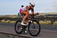 IRONMAN HAVAJ: Loni dala první dlouhý triatlon, zítra ji čeká Kona