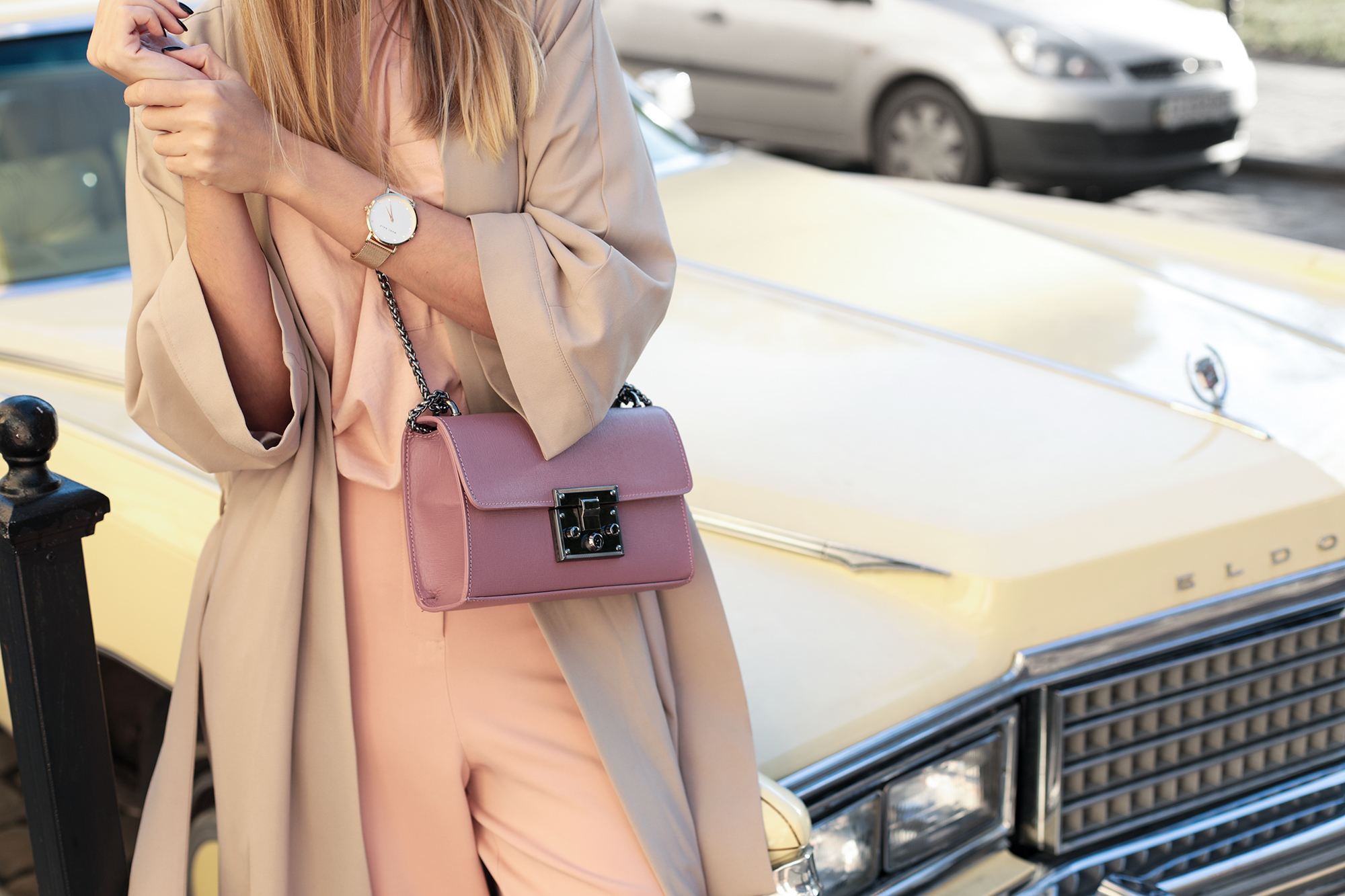 pastel-outfit-accessories-street-style