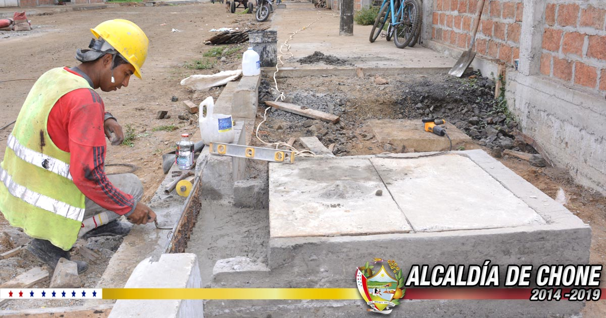 Se construyen las vueltas y tirantes de aguas servidas en calles Ítalo Colamarco y Salustio Giler