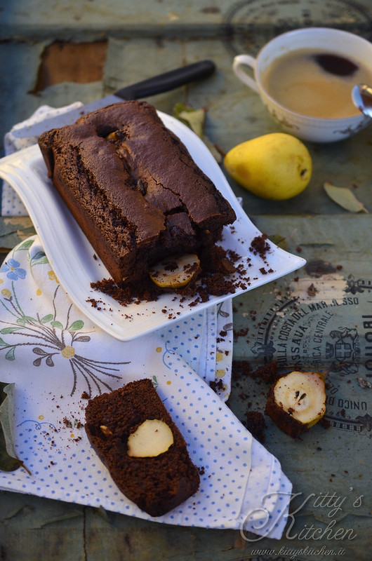 Cake pere, cioccolato e nocciole