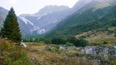 Ruiny po radzieckiej bazie alpinistycznej Ailama.