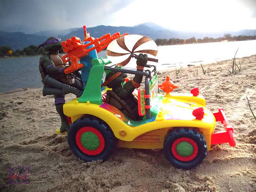 TEENAGE MUTANT NINJA TURTLES :: MIKE'S KOWABUNGA SURF BUGGY .. turns iv (( 1991 ))
