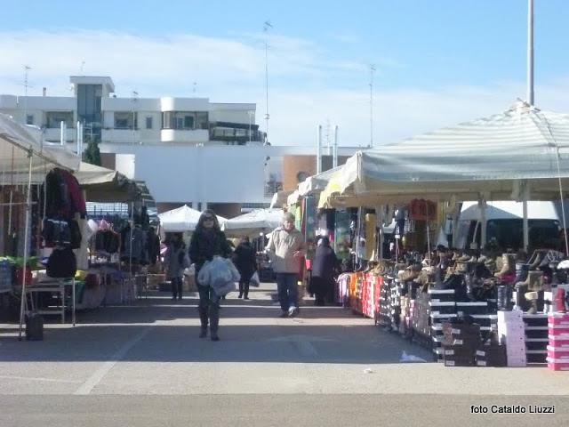 mercato settimanale