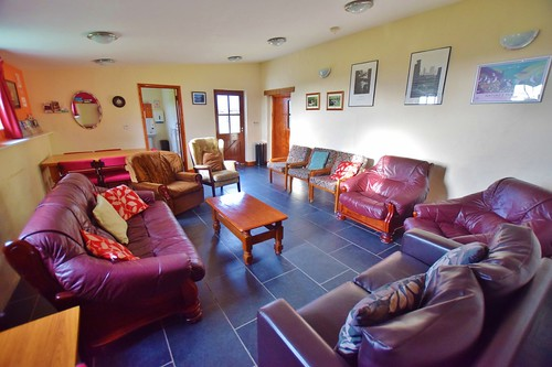 Caerhafod Lodge Pembrokeshire Coast - lounge area in the hostel