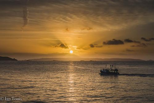 888 autum boat channelislands cloud cloudporn commercialfishing fish fisherman fishing fishingboat golden guernsey guernseyharbours guernseylife guernseystyle locateguernsey sea sealife sky skyporn sun sunlight sunrise visitguernsey