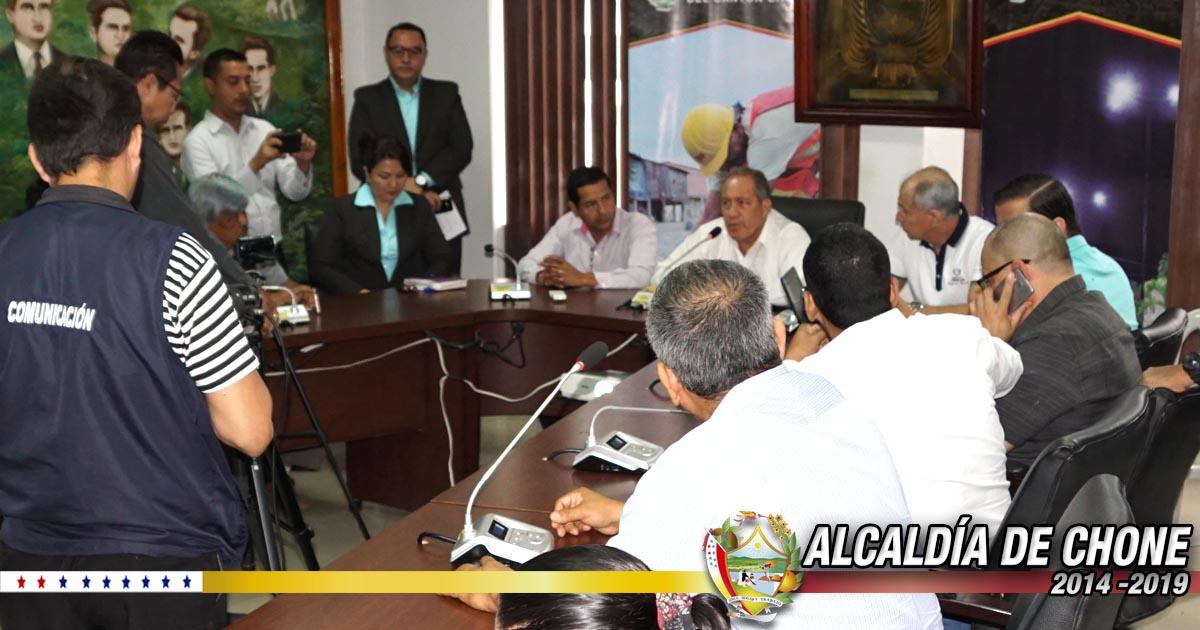 Diálogo entre Alcalde y Periodistas de Chone un éxito