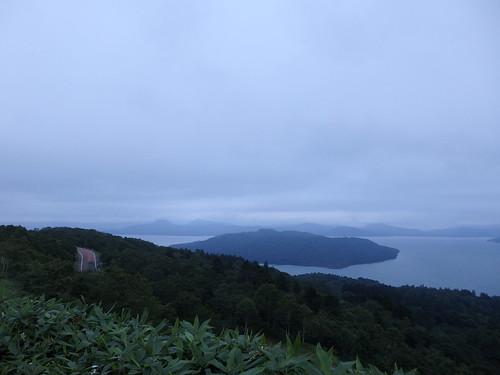 美幌峠から見る屈斜路湖。この日は峠でテンバ。
