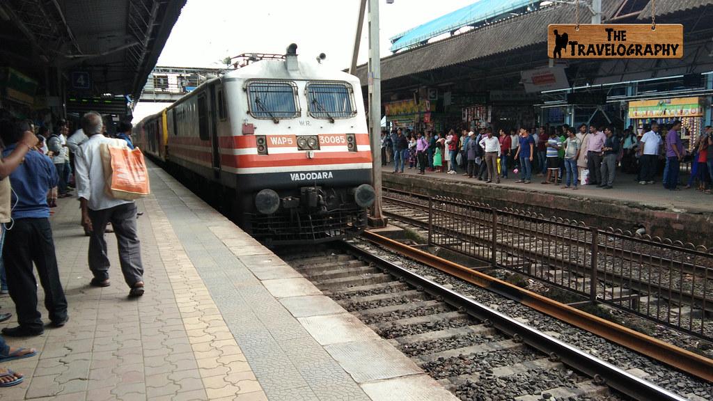 Mumbai Local - The Travelography