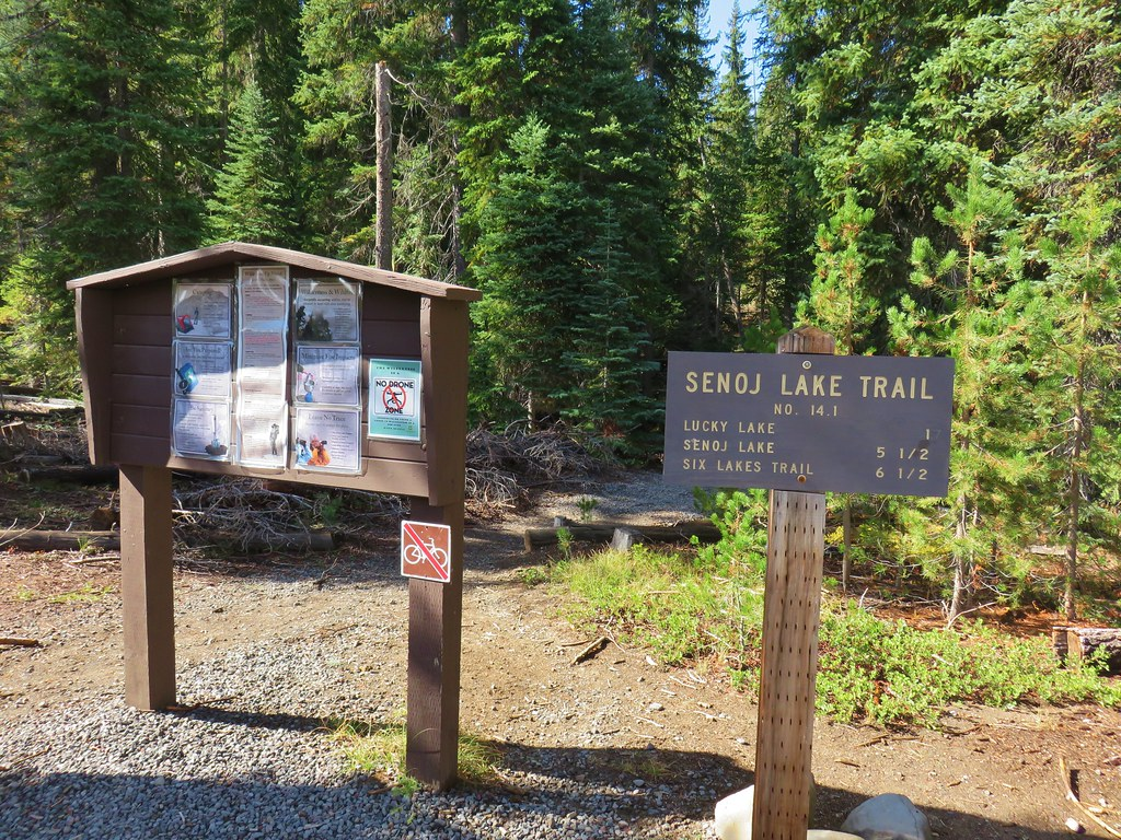 Senoj Lake Trail - Hiker Trailhead