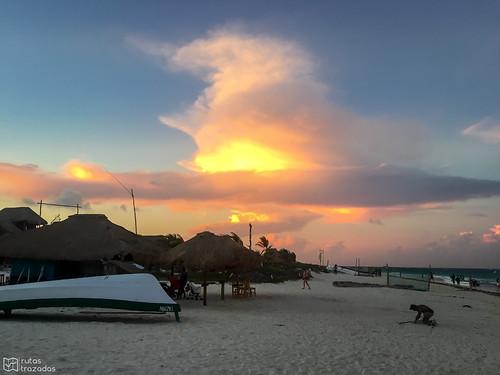 Playa Paraiso Atardecer