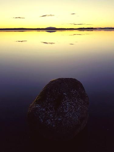 sunrise lake laugarvatn iceland water reflection oeiriks stone
