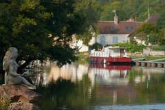 La sirène du canal - Photo of Mailly-le-Château