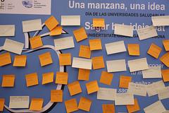 """09/10/2017 - Deusto celebra el Día de la Universidades Saludables con la iniciativa """"Una manzana, una idea"""""""