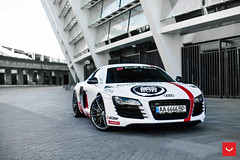 Audi R8 with Vossen Hybrid Forged VFS-4