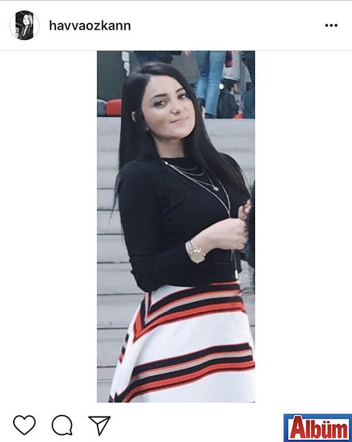 Bankacı Havva Özkan, paylaştığı bu fotoğrafla takipçilerinin beğenisini topladı.